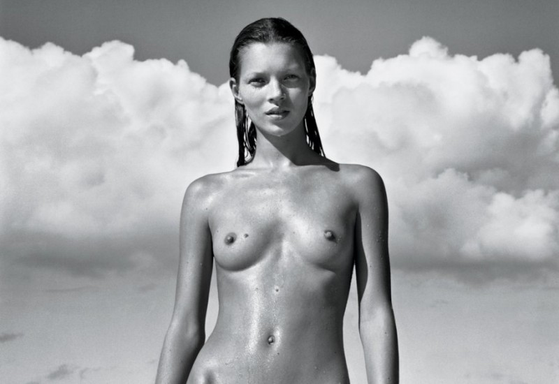 item10.rendition.slideshowWideHorizontal.kate-moss-ss11-800x622